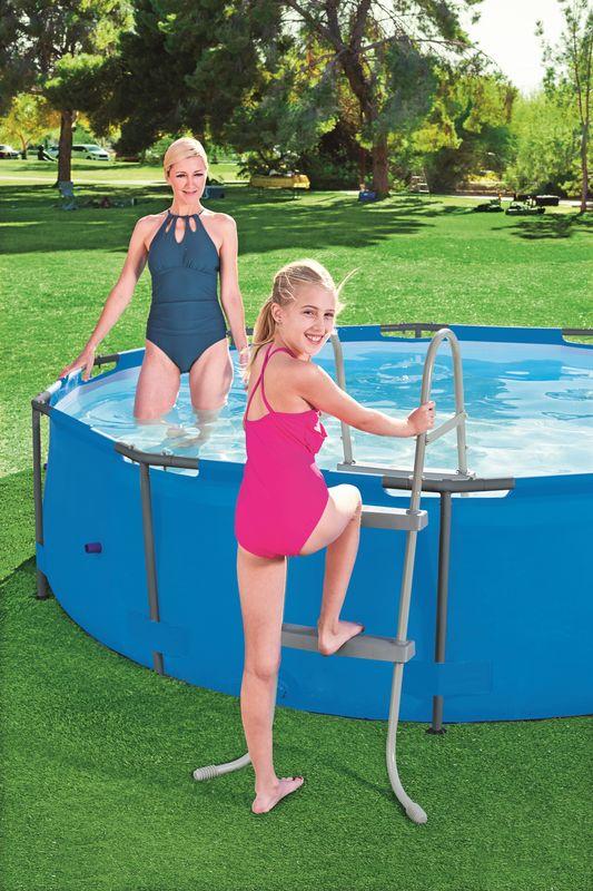 échelle piscine bestway